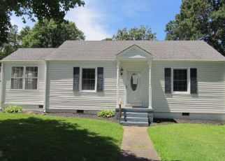 Foreclosed Home in Hopewell 23860 MILES AVE - Property ID: 4408026680