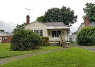 Foreclosed Home in Huntington 25704 NEW YORK ST - Property ID: 4408051640