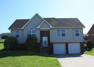 Foreclosed Home in Jeffersonville 47130 ROLLING CREEK DR - Property ID: 4408053387