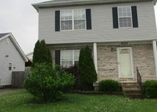 Foreclosed Home in Louisville 40218 APPLEGROVE LN - Property ID: 4408054711