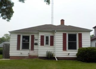 Foreclosed Home in Racine 53405 CLEVELAND AVE - Property ID: 4408097634
