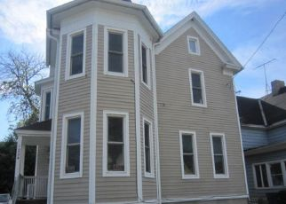 Foreclosed Home in Racine 53403 RACINE ST - Property ID: 4408099378