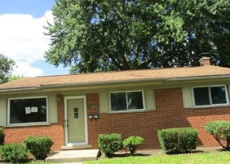 Foreclosed Home in Westland 48186 GRANDVIEW AVE - Property ID: 4408108578