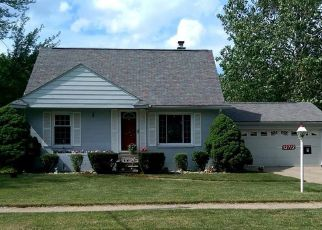 Foreclosed Home in Garden City 48135 SHERIDAN ST - Property ID: 4408116907