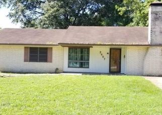 Foreclosed Home in Tyler 75701 E DEVINE ST - Property ID: 4408137484