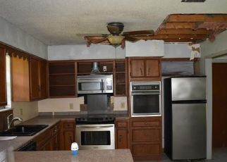 Foreclosed Home in Weslaco 78596 VALLEY VIEW DR - Property ID: 4408145811