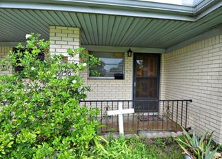 Foreclosed Home in Groves 77619 WILLOW ST - Property ID: 4408152371