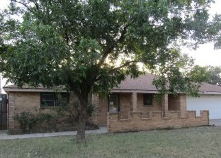 Foreclosed Home in Levelland 79336 JOLIET ST - Property ID: 4408155890