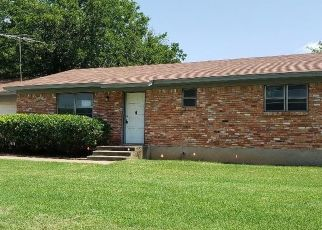Foreclosed Home in Blum 76627 THOMPSON LN - Property ID: 4408156316