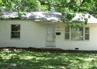 Foreclosed Home in Wichita 67217 S BENNETT AVE - Property ID: 4408206241