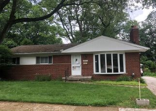 Foreclosed Home in Farmington 48335 GLENVIEW DR - Property ID: 4408290785