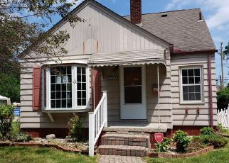 Foreclosed Home in Eastpointe 48021 RAUSCH AVE - Property ID: 4408292981
