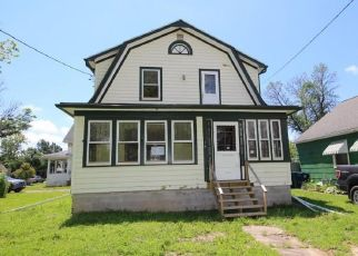 Foreclosed Home in Niagara Falls 14304 BROOKSIDE DR - Property ID: 4408315749