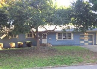 Foreclosed Home in Saint Joseph 64507 DONIPHAN AVE - Property ID: 4408347718