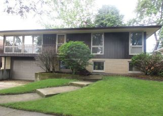 Foreclosed Home in Oak Forest 60452 BETTY ANN LN - Property ID: 4408468593