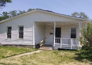 Foreclosed Home in Monmouth 61462 S 2ND ST - Property ID: 4408500115