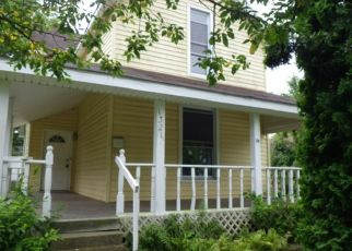 Foreclosed Home in New Castle 47362 CIRCLE ST - Property ID: 4408505378