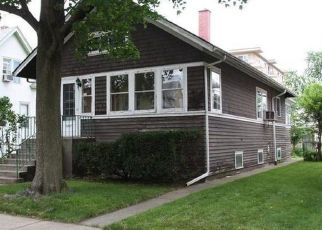 Foreclosed Home in Forest Park 60130 WARREN ST - Property ID: 4408512838
