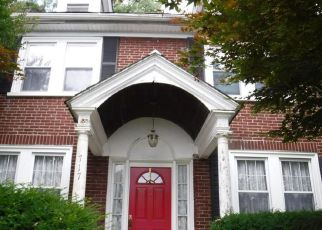 Foreclosed Home in Norristown 19401 BUTTONWOOD ST - Property ID: 4408698978