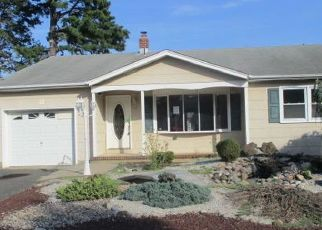 Foreclosed Home in Toms River 08757 CORTLANDT DR - Property ID: 4408726562