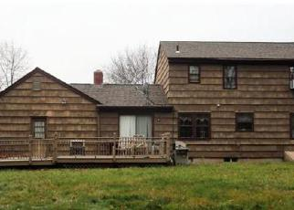 Foreclosed Home in Meriden 06450 ROYAL OAK CIR - Property ID: 4408833418