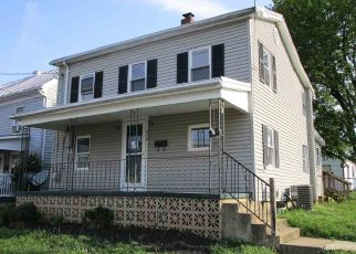 Foreclosed Home in Strasburg 22657 W KING ST - Property ID: 4408912254
