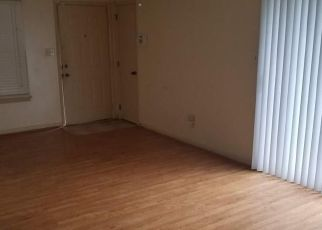 Foreclosed Home in Newport News 23608 WINDSOR CASTLE DR - Property ID: 4408924973