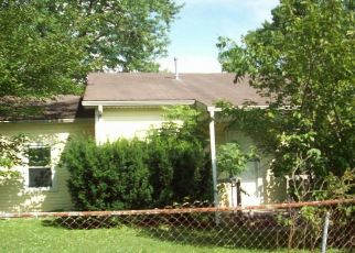 Foreclosed Home in Louisville 40258 CAPELLA LN - Property ID: 4408935919