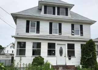 Foreclosed Home in Bridgeport 06606 GLENDALE AVE - Property ID: 4408974450