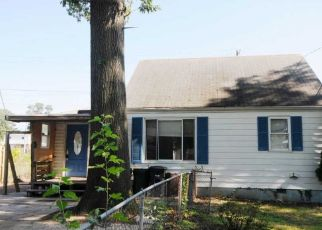 Foreclosed Home in Riverdale 20737 PATTERSON ST - Property ID: 4408990662