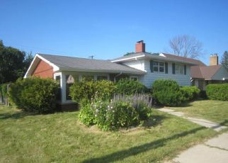 Foreclosed Home in Racine 53402 MONTCLAIR DR - Property ID: 4409049341