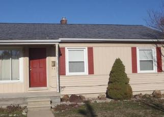 Foreclosed Home in Redford 48239 SEMINOLE - Property ID: 4409075630