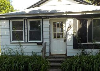 Foreclosed Home in Hazel Park 48030 HOOVER AVE - Property ID: 4409080439