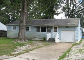 Foreclosed Home in Virginia Beach 23452 PINEWOOD DR - Property ID: 4409112861