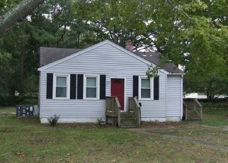 Foreclosed Home in Newport News 23605 HILTON BLVD - Property ID: 4409113737