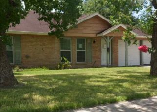 Foreclosed Home in Houston 77085 TIFFANY DR - Property ID: 4409133884