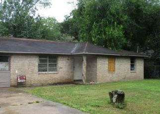 Foreclosed Home in League City 77573 EL TORO ST - Property ID: 4409158849