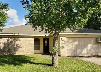 Foreclosed Home in Victoria 77905 VIKING ST - Property ID: 4409191245