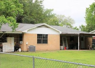 Foreclosed Home in Madisonville 77864 N MADISON ST - Property ID: 4409198249