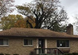 Foreclosed Home in Dayton 45429 KENOSHA RD - Property ID: 4409334470