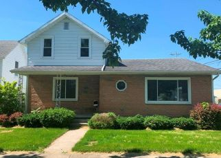 Foreclosed Home in Deshler 43516 E MAPLE ST - Property ID: 4409346734