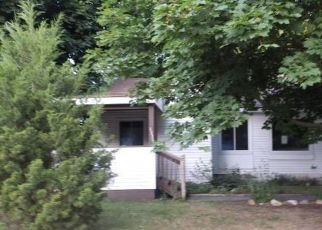 Foreclosed Home in Waterford 48329 CURWOOD ST - Property ID: 4409357236