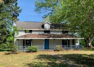 Foreclosed Home in Winston Salem 27105 DIPPEN RD - Property ID: 4409367762