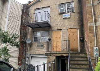 Foreclosed Home in Brooklyn 11208 MILFORD ST - Property ID: 4409373894