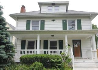Foreclosed Home in Lockport 14094 LAKEVIEW PKWY - Property ID: 4409378259
