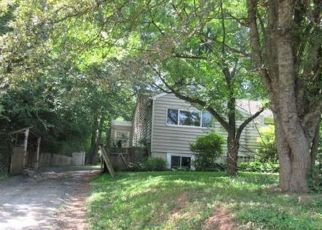 Foreclosed Home in Gaithersburg 20877 MUNCASTER MILL RD - Property ID: 4409391400