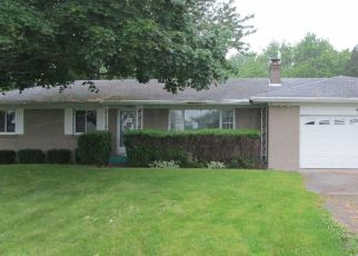 Foreclosed Home in Charlotte 48813 LANSING RD - Property ID: 4409466739