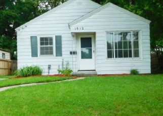 Foreclosed Home in Lansing 48910 WOODBINE AVE - Property ID: 4409470680
