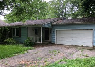Foreclosed Home in Lansing 48917 STOLL RD - Property ID: 4409488186