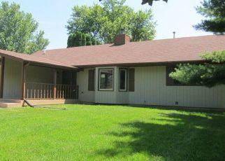 Foreclosed Home in Harvard 60033 RHONDA DR - Property ID: 4409513602